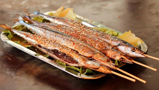 吃秋刀鱼别去内脏